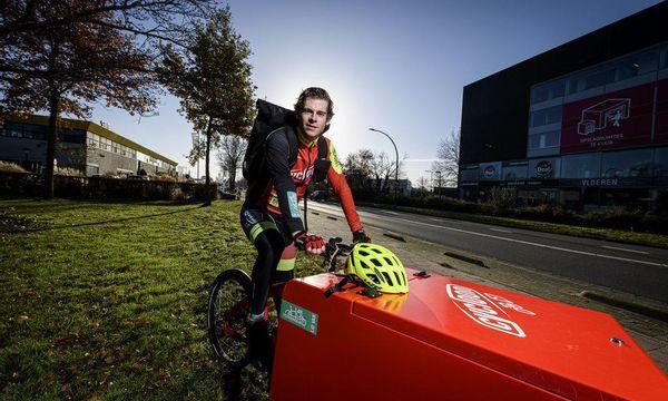 Carst over zijn werk als fietskoerier